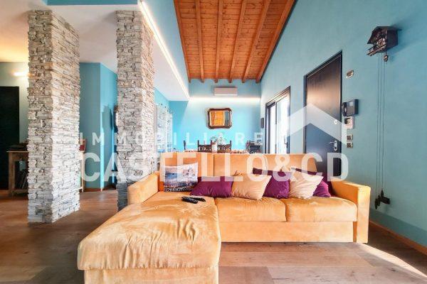Villa im Wohnkomplex mit Pool