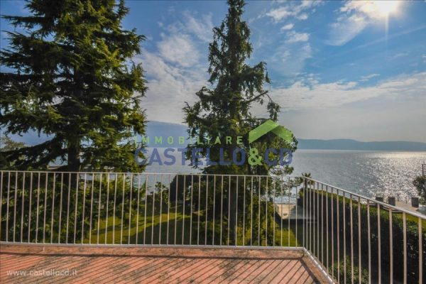 Luxuriöses Anwesen am See mit privatem Anleger